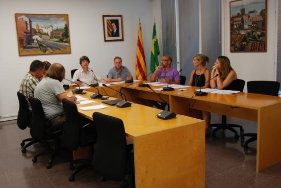 Al Ple Municipal van faltar-hi els regidors Albert Badia (ERC), Lluís Vall (CiU), Carme Pla (CiU) i Teresa Riba (CiU)